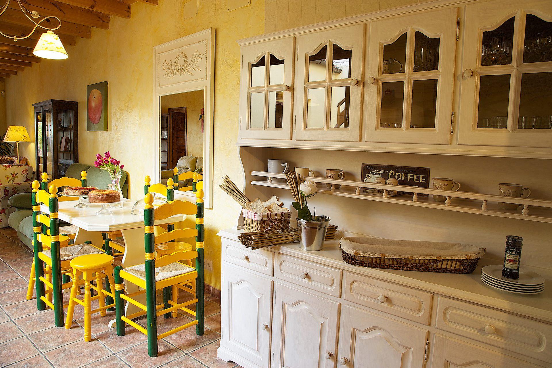 Beautiful alamedas casa rural en castronu o con for Casas de alquiler de verano con piscina