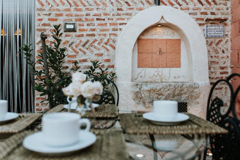 find the real Spain, secret places, ancient villages, medieval castles, wine tourism Ribera de Duero, rental villas Spain, Castile and Leon, Segovia, Salamanca, Avila, Valladolid